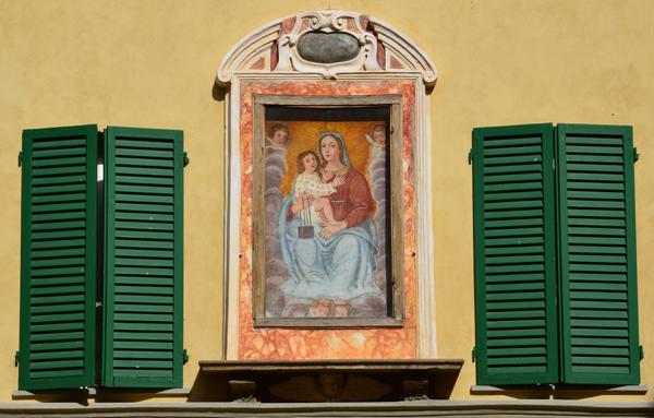 House, Via Anfiteatro, Lucca